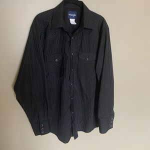 Vintage wrangler black snap up long sleeve L